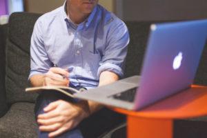 Cómo Iniciar Un Negocio Siendo Empleado